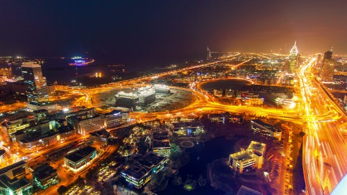 dubai-timelapse-made-on-rooftop-of-skyscraper-with-internet-city-view-at-night